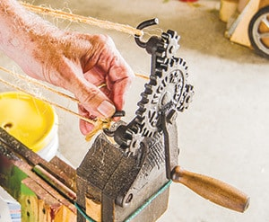 071515 Kids Day ropemaking2-8415 C.jpg