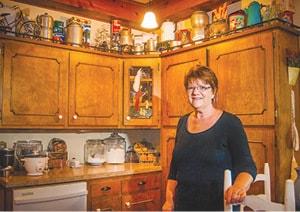 090215 Deb O In Kitchen C.jpg