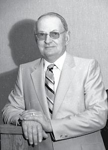 Lester Pitchford Obit Pic BW.jpg
