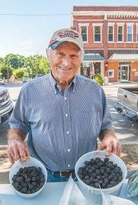 Farmers Market Leonard Haertling C.jpg