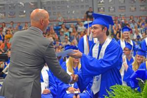Graduate 37 W