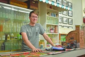 Community Profile: Dennis Restoff
